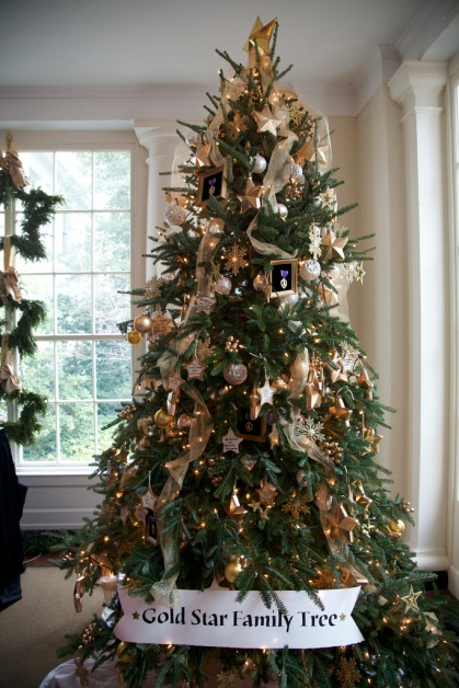 2011goldstartree.jpeg